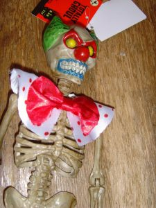 creepy-halloween-hanging-clown-skeleton-prop-new-with-_57